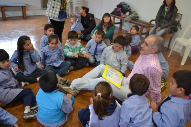 Popovich recibió a alumnos de Jardines