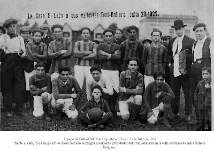 Equipo de fútbol de El León en julio de 1922