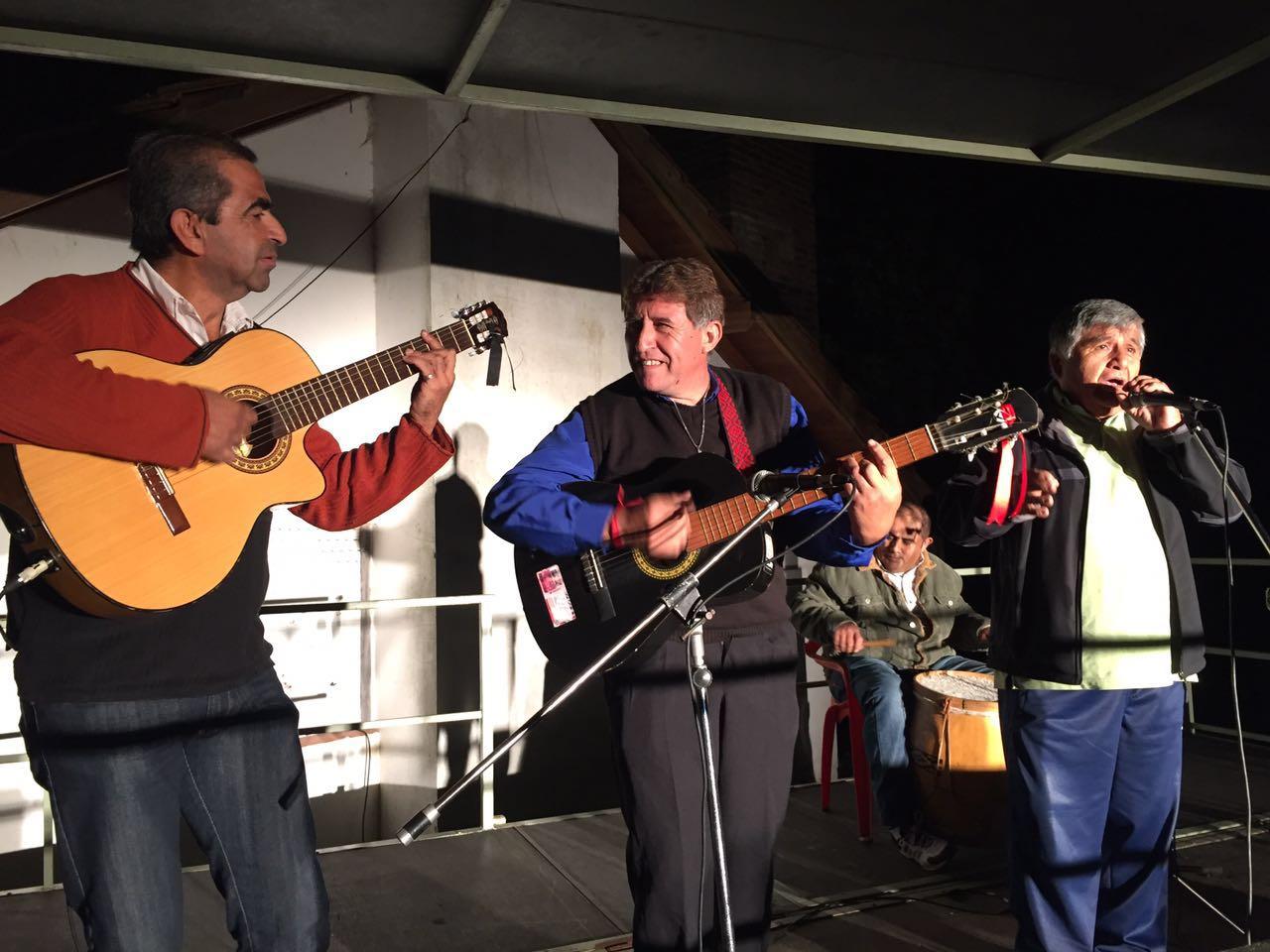 Folclore en los barrios tuvo su noche en el san mart n b - Muebles martin los barrios ...