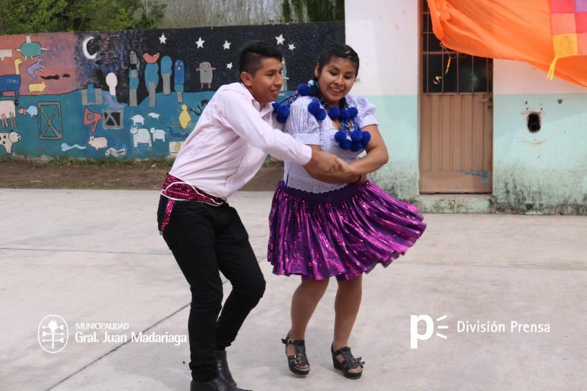 Acto por el Día de la Diversidad Cultural en la Escuela Primaria Nº 3