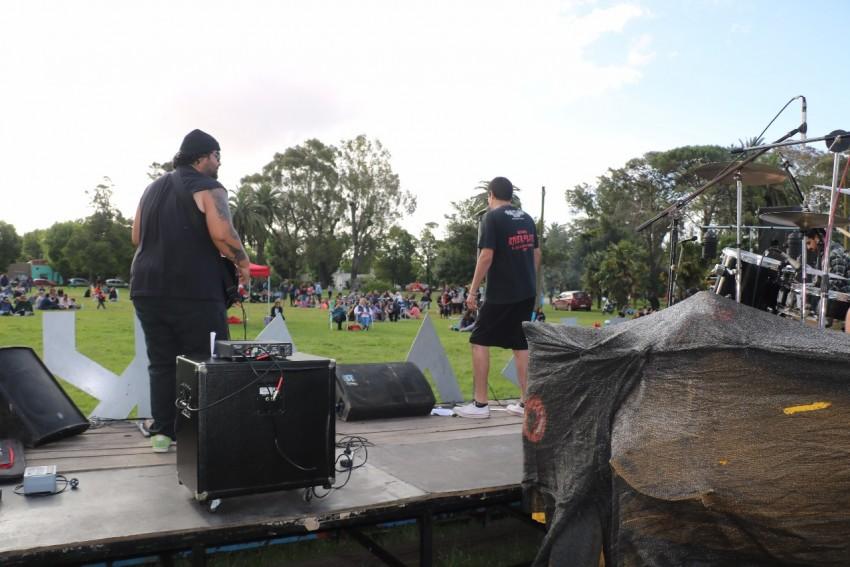 El Ma-Rock convocó a centenares de personas en el Anchorena