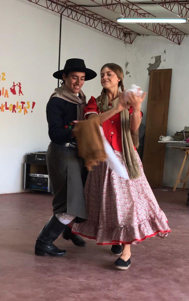 Juegos Bonaerenses: 4 parejas de folclore y 1 joven dibujante pasaron