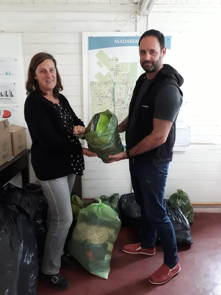 Desarrollo Social recibió una importante donación de indumentaria