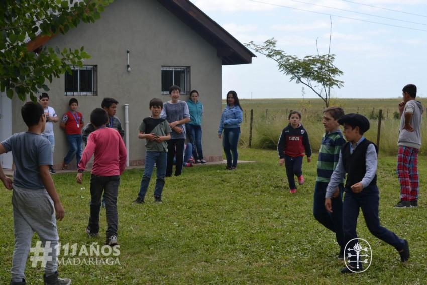 Los chicos de Macedo festejaron el cierre anual de la Escuelita de fút