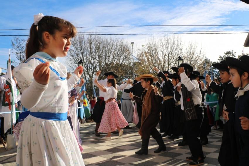 Se realizó el acto protocolar y el tradicional Tedeum por el 25 de may