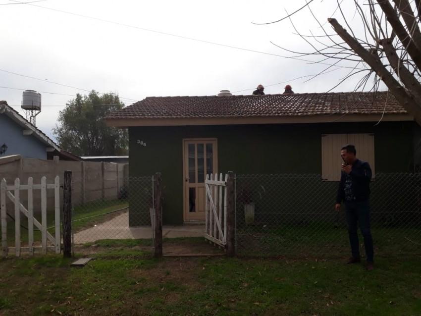 Bomberos combatieron un principio de incendio en una vivienda