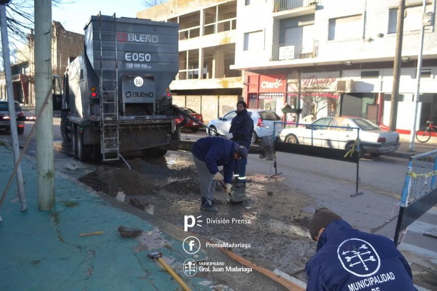 Iniciaron los trabajos de reconstrucción de cordones en el centro