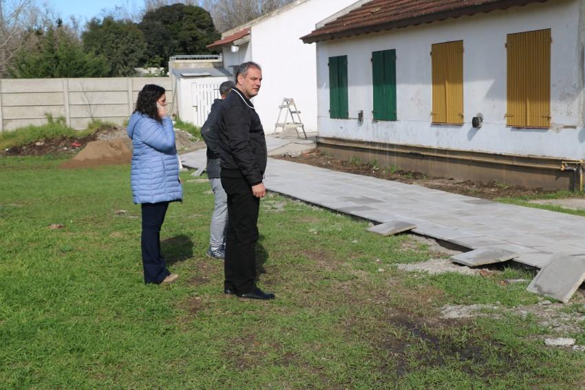 Santoro recorrió la obra del estadio y de la Secundaria Nº 6