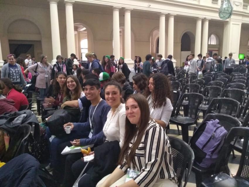 Alumnos madariaguenses ya participan del Parlamento Juvenil del Mercos