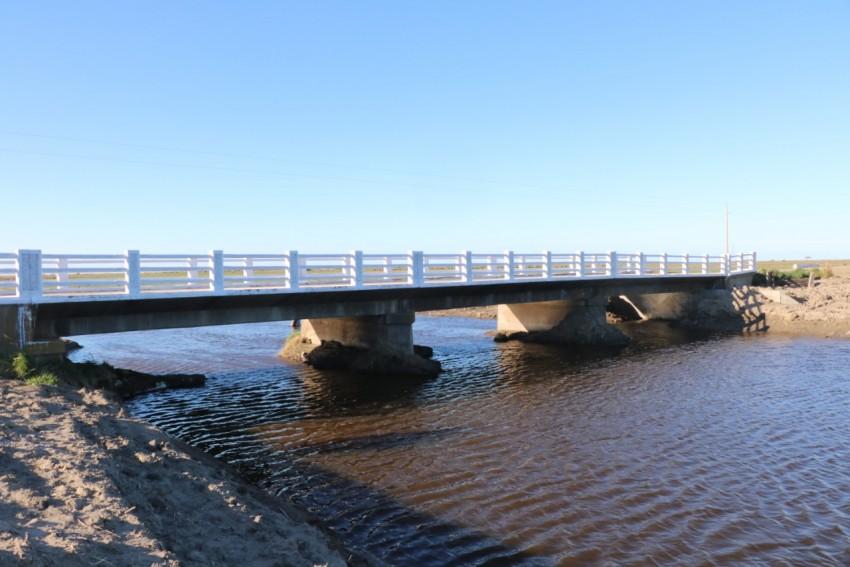Reinauguraron el puente de arroyo chico