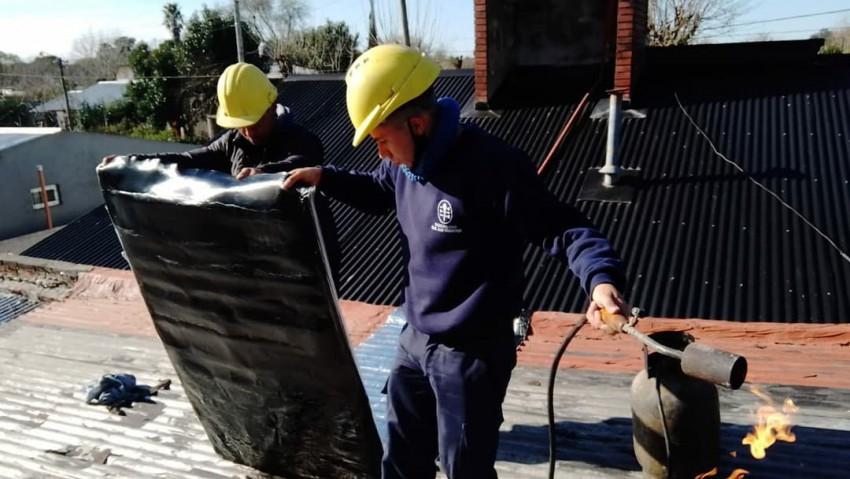 Comenzaron los trabajos para reparar las viviendas afectadas por el te
