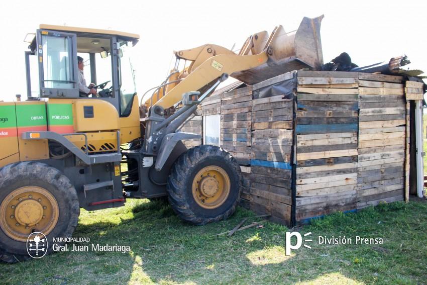 Usurpaciones: Demolieron una casilla en el barrio Los Pinos 2