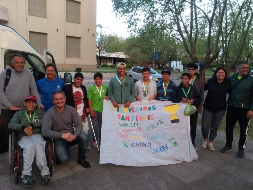 Torneos Bonaerenses: El intendente recibió a los ganadores de la medalla plateada