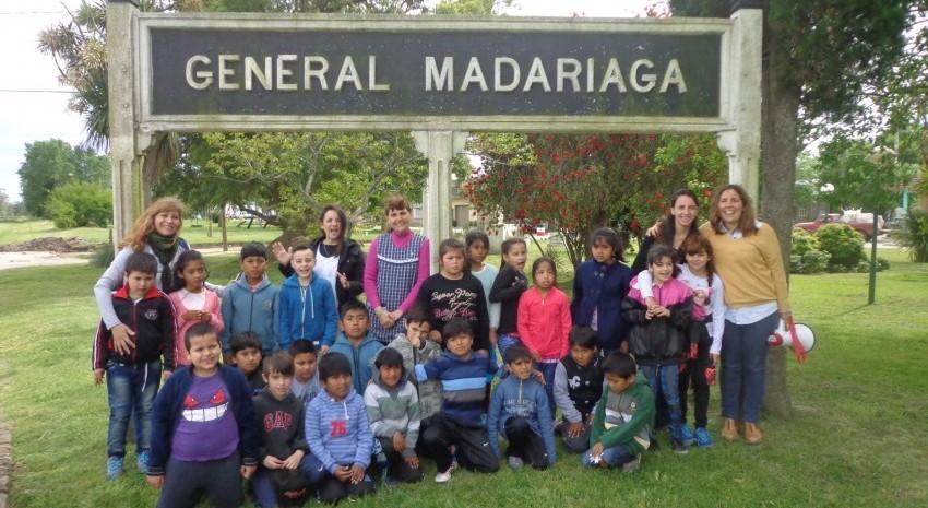 Visita a la ciudad de alumnos de un colegio de Aguas Verdes