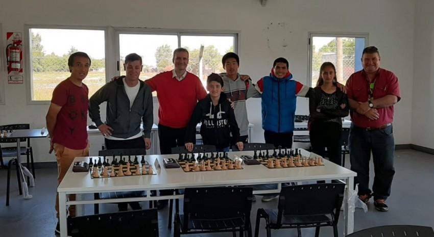 Madariaga cosechó medallas y reconocimientos en el Torneo Abierto de Ajedrez Rápido de Castelli
