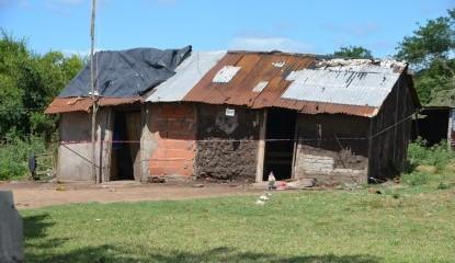 El municipio asistió a la familia afectada por el incendio de su vivienda en el barrio Belgrano