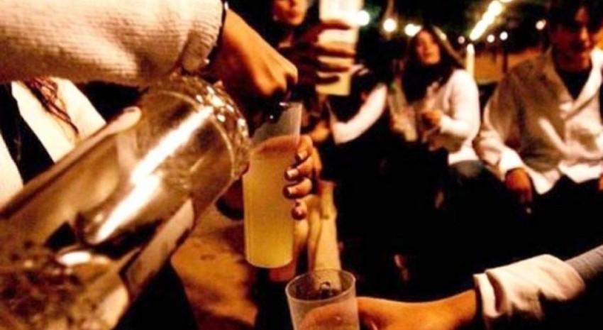 """Charla de adicciones """"Alcohol y adolescencia: una mezcla explosiva"""""""