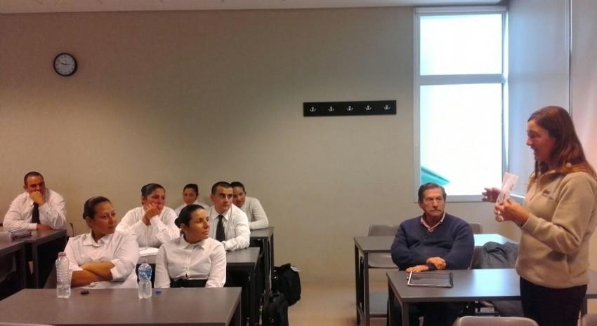 Alumnos de la Escuela de Polic�a Local participaron de una charla de Turismo