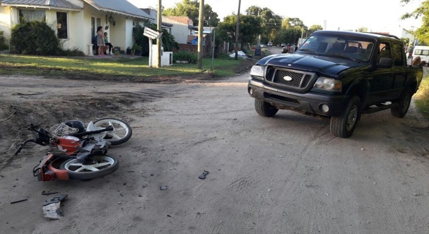 choque camioneta y moto