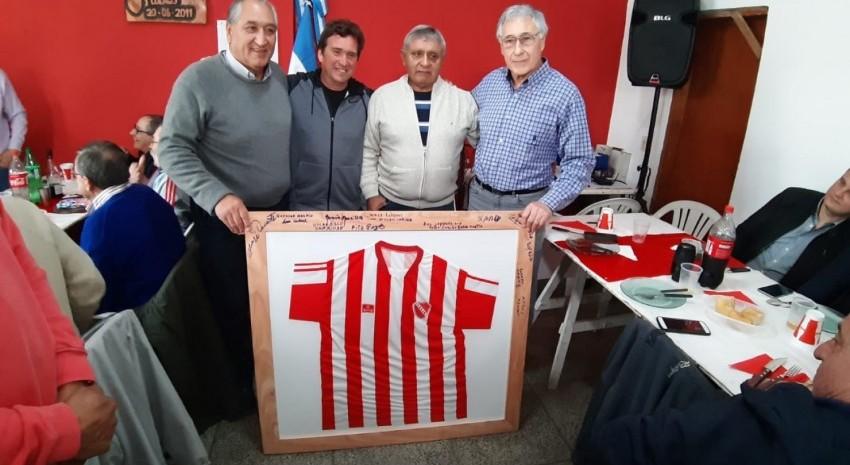 El Club San Juan Bautista festejo su cincuentenario con un almuerzo