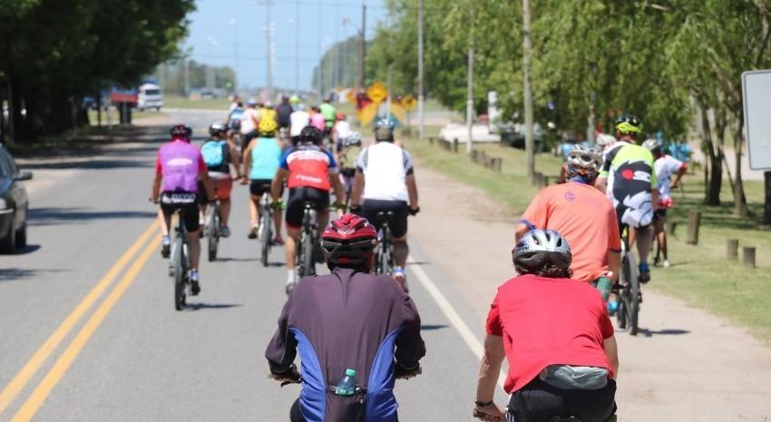 Se realizó la excursión en bicicleta a la Laguna La salada para entrenarse y conocer