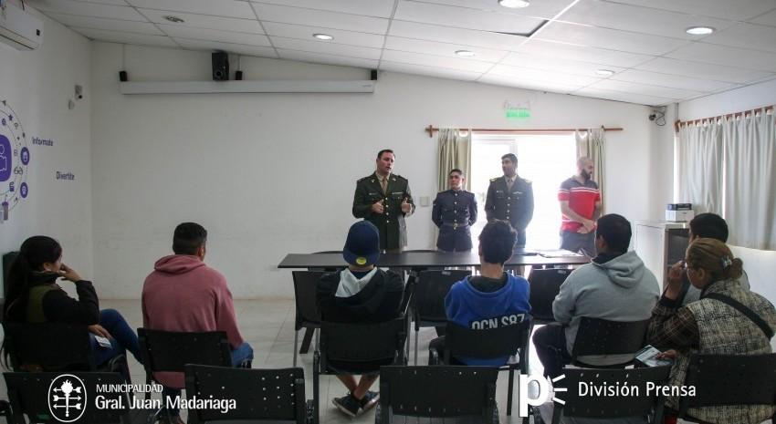 Autoridades del Ejército brindaron información sobre las alternativas de estudio
