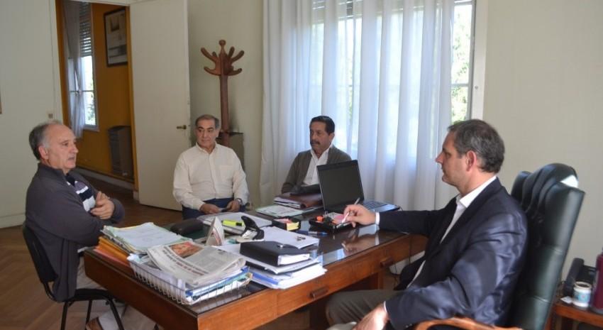 Santoro y representantes de absa - obras de ampliación de cloacas y agua