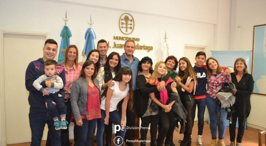 El intendente recibió a las hijas y nietos de Argentino Luna