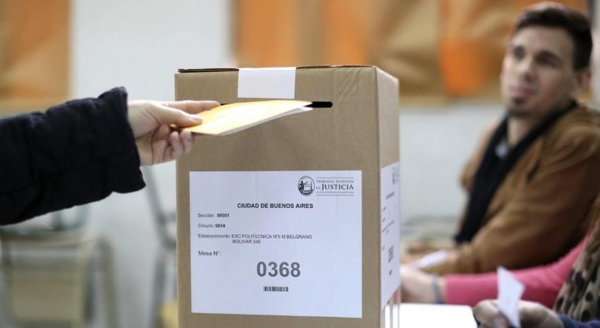 mesa elecciones2
