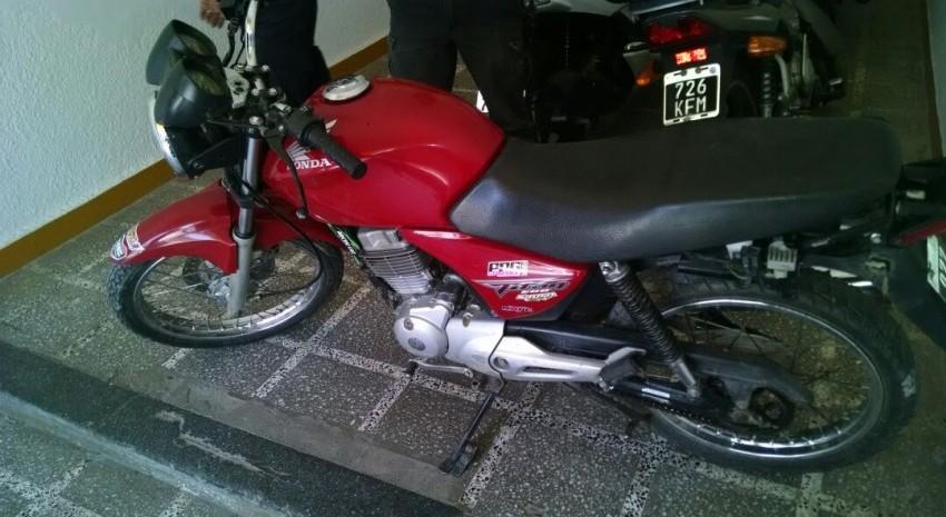 moto honda roja