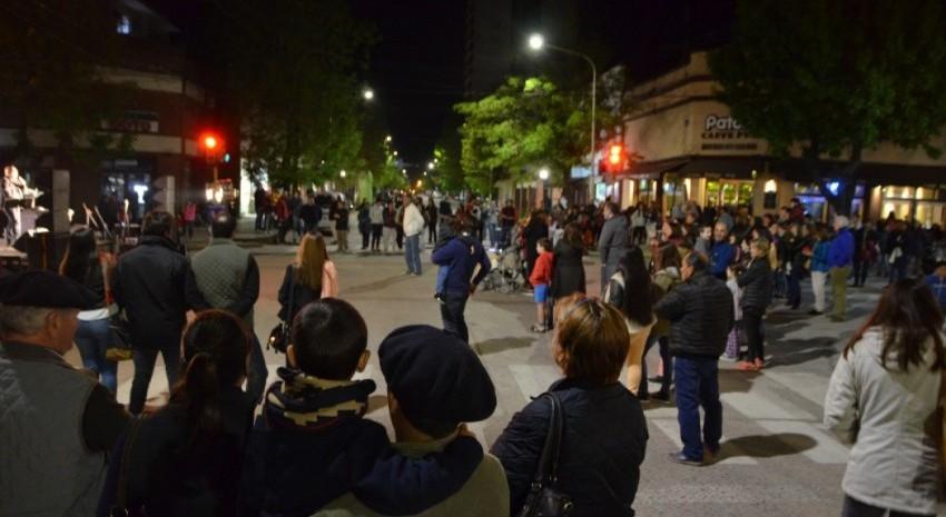 Peñas, danza y gastronomía criolla para cerrar la Semana Argentino Luna