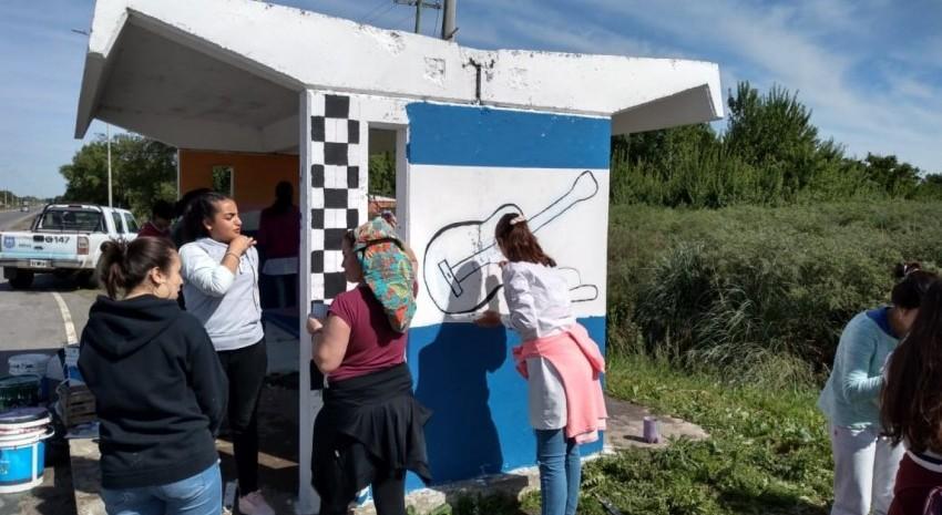 Nueva jornada de pintura a cargo de alumnos