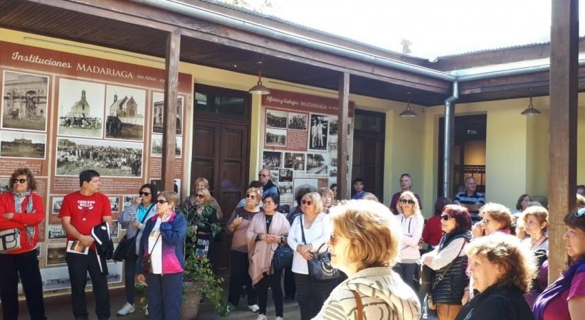 Un contingente de turistas arribó a Madariaga para conocer el destino