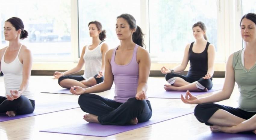 Clases gratuitas de Yoga en el Club San Juan Bautista