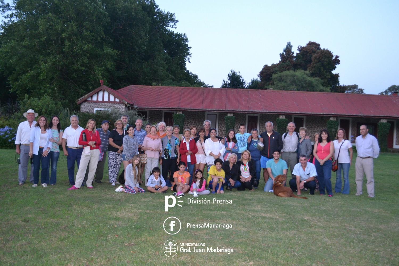 Residentes y turistas visitaron la estancia Charles Viejo y tomaron el té en Juancho