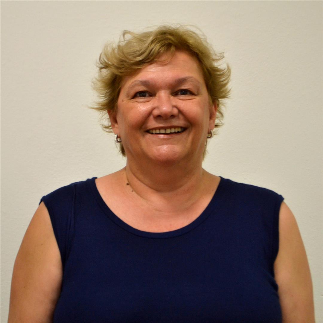 Directora la Escuela de Bellas Artes Divisadero Irene Echeverría