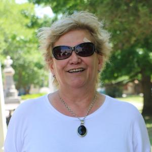 Subdirectora de Escuela de Bellas Artes Divisadero Irene Echeverría